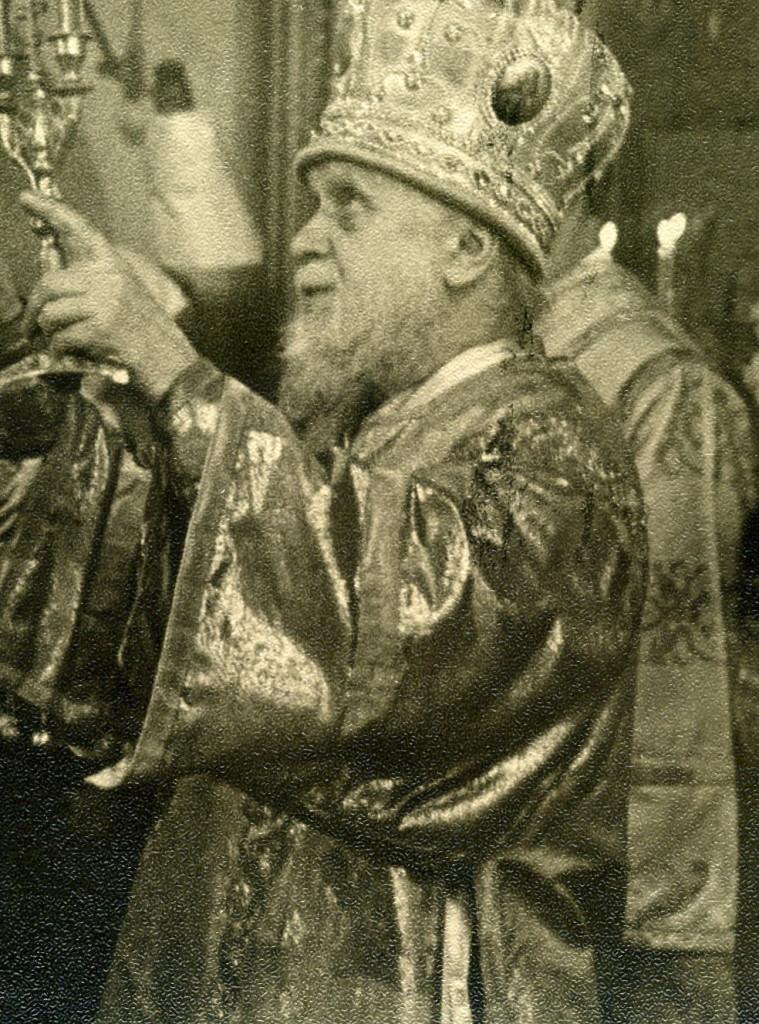 Архиепископ Вениамин Иркутский и Читинский на богослужении в тельминском храме
